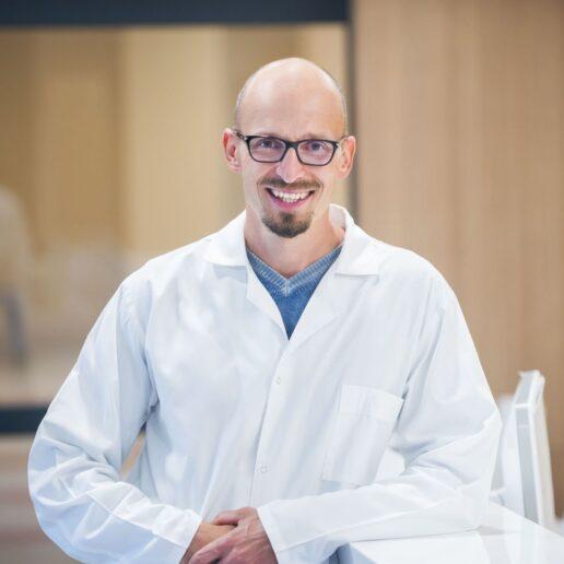 Northway Abdominalinis (pilvo) Chirurgas, Proktologas, Endoskopuotojas, Echoskopuotojas Olegas Deduchovas